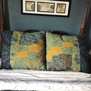 Anthropologie | 100% Wool Embroidered pillow 30x30